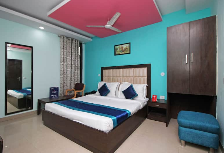OYO 4184 Hotel The RTS, New Delhi, Guest Room