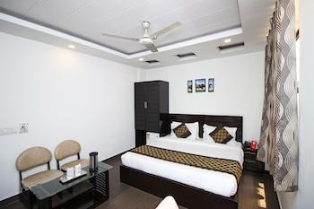 Picture of OYO 9267 Hotel Walnut Castle in New Delhi