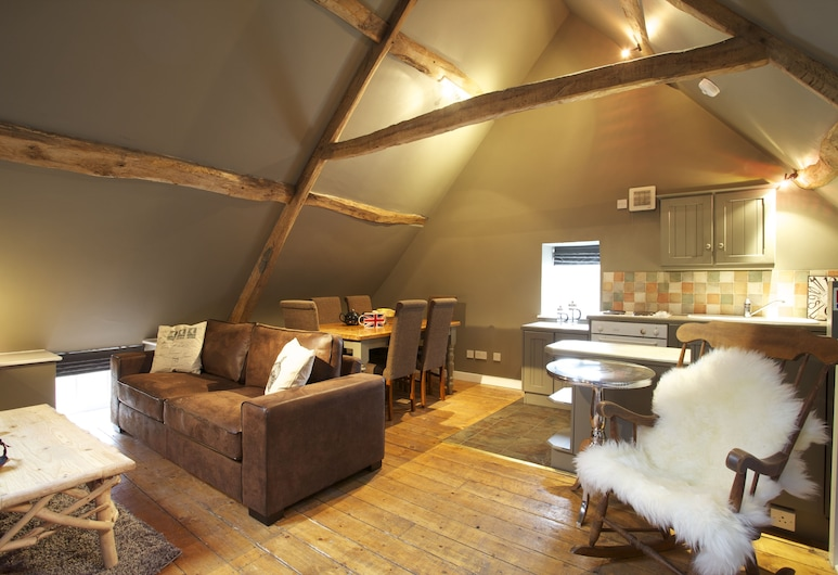 The Kings Arms, Badminton, Cottage, 3 Bedrooms (Sleeps 6), Living Area
