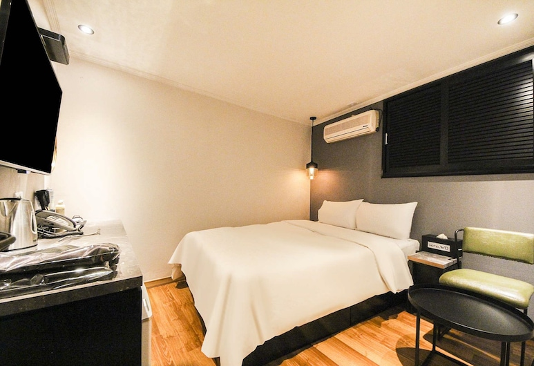 Hotel WO Chungjeongro, Seoul, Standard Double Room, Guest Room