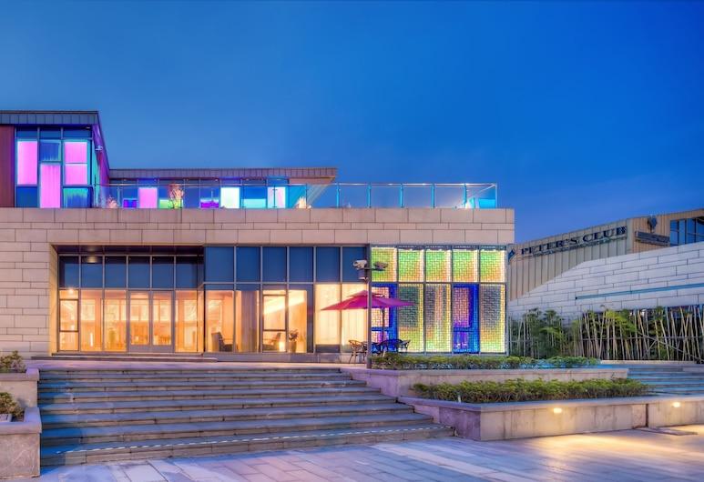 Jiushu Resorts Wuxi, Wuxi, Fassaad õhtul/öösel