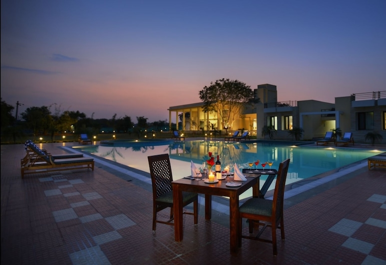 叢林別墅飯店, 瑟瓦伊馬托布爾, 游泳池