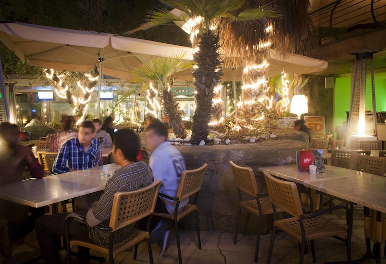 Tropicana Hotel, St. Julian's, Otel Barı