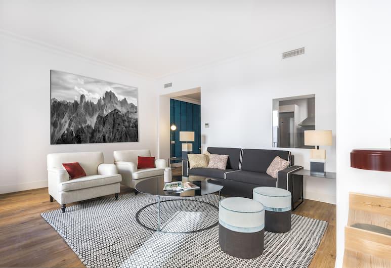 Slow Suites Bellas Artes, Мадрид, Улучшенные апартаменты, 2 спальни, Гостиная