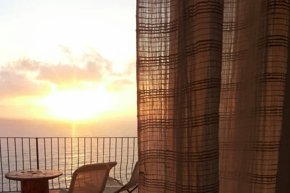 Deluxe Room, Terrace, Sea View - Balcony