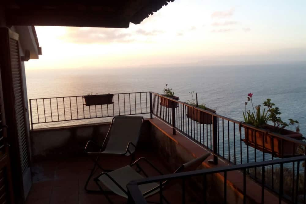Family Room, Terrace, Sea View - Balcony