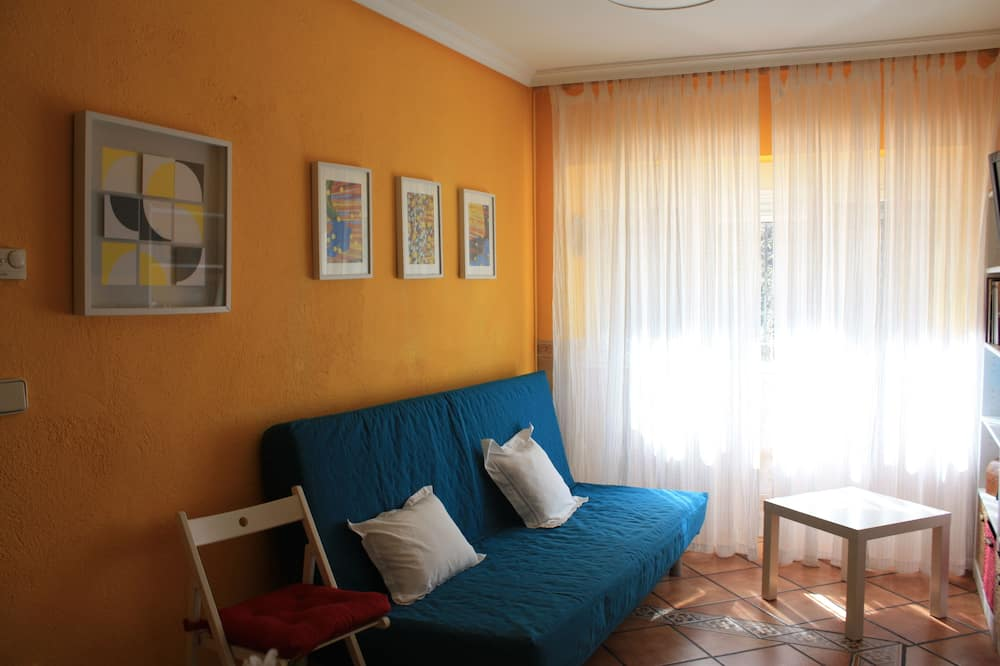 Apartment, 1 Bedroom, River View - Living Area