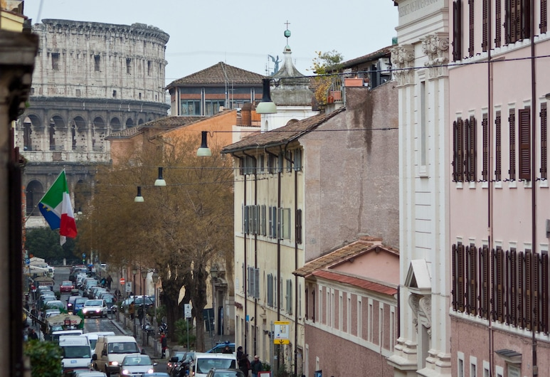 Rental In Rome Maximum, Rom