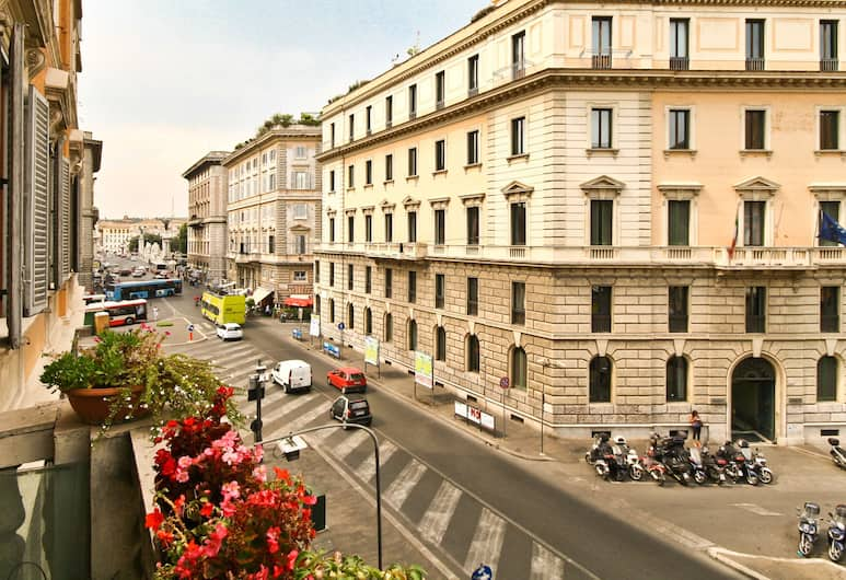 Rental In Rome Corso Vittorio, Rome, Apartment, 3 Bedrooms, View from room