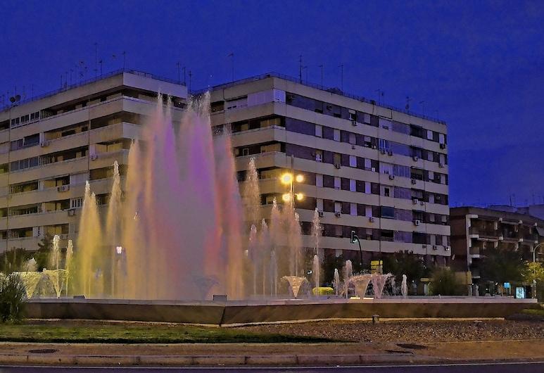 Apart. 10 minutos La Mezquita by JITKey, Córdoba, Fassade der Unterkunft – Abend/Nacht