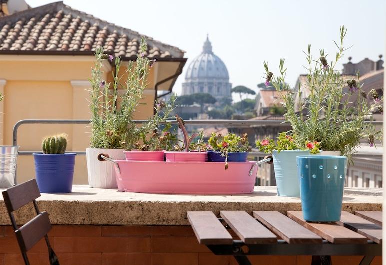 Rental In Rome Telesio, Rome, Appartement, 2 slaapkamers, Terras