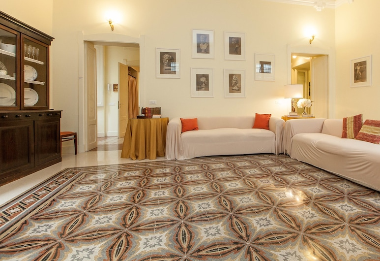 Rental In Rome Portico Ottavia Garden, Rome, Apartment, 2 Bedrooms, Living Area