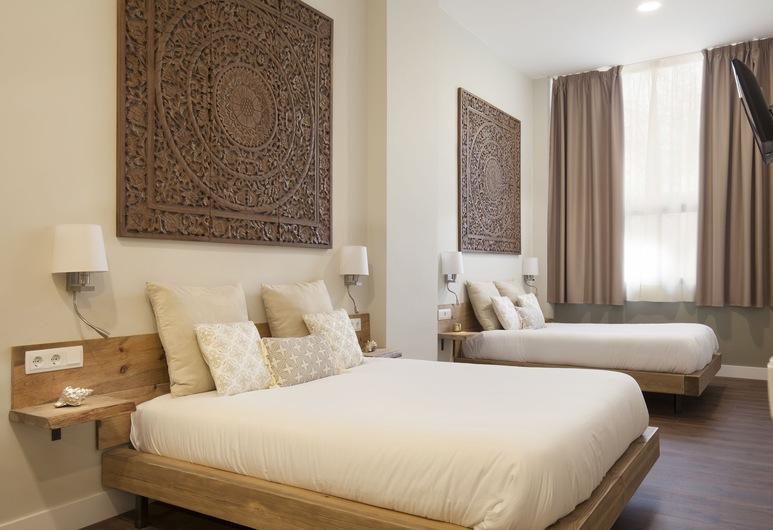 Hotel Radha, L'Hospitalet de Llobregat, Fyrbäddsrum - 2 dubbelsängar, Utsikt från gästrum