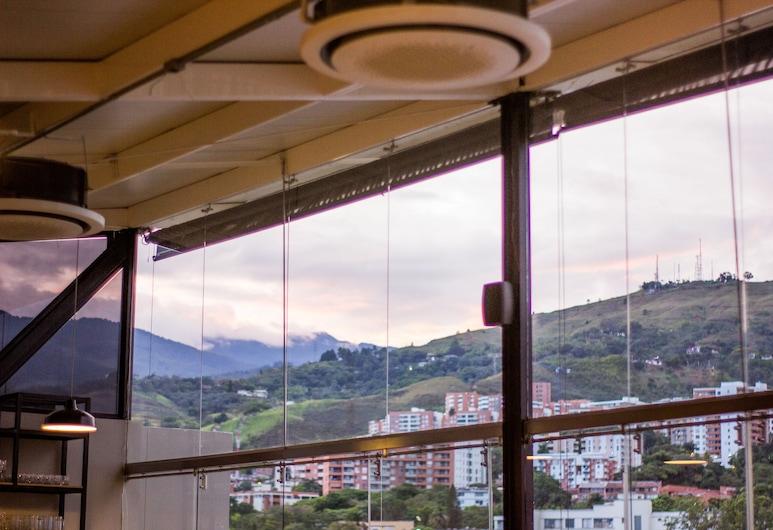 Torca Hotels, קאלי, מרפסת/פטיו