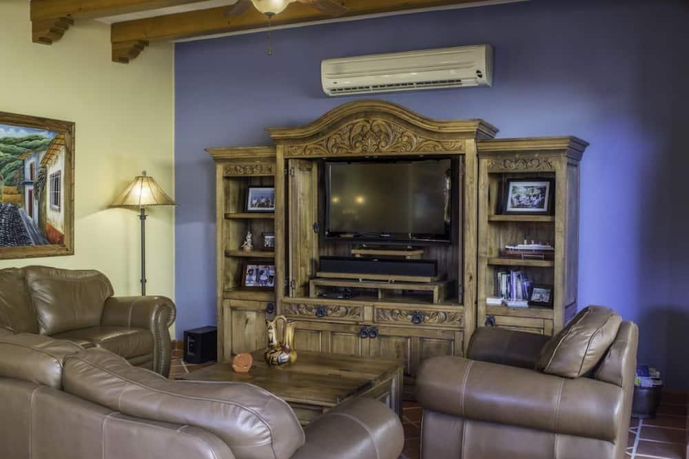 Family Villa, 3 Bedrooms - Living Room