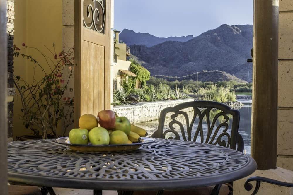 Family Villa, 3 Bedrooms - In-Room Dining