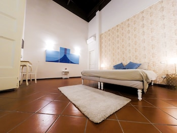 15 Closest Hotels To Museo Diocesano Di Napoli In Naples