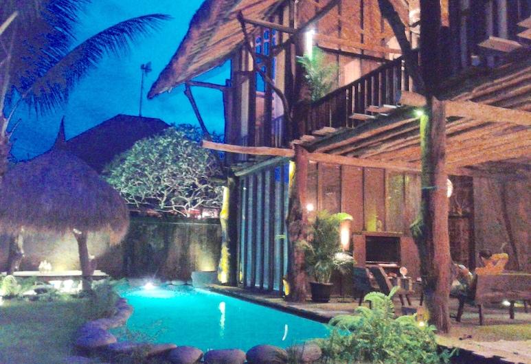 Rustic Hut in Seminyak Bali , Seminyak, Piscina externa