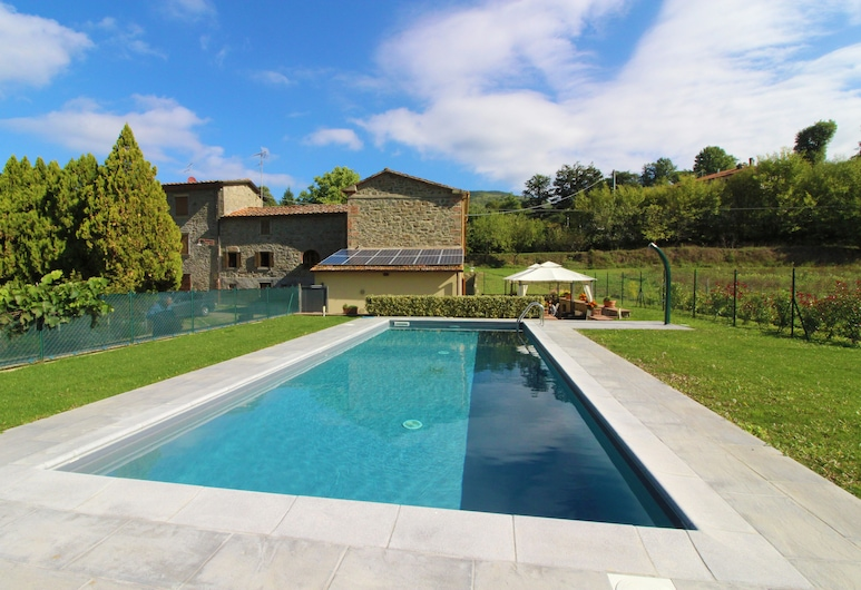 Stunning Private Villa for 4 Guests With Wifi, Private Pool, TV, Veranda, Pets Allowed and Parking, Arezzo, Havuz