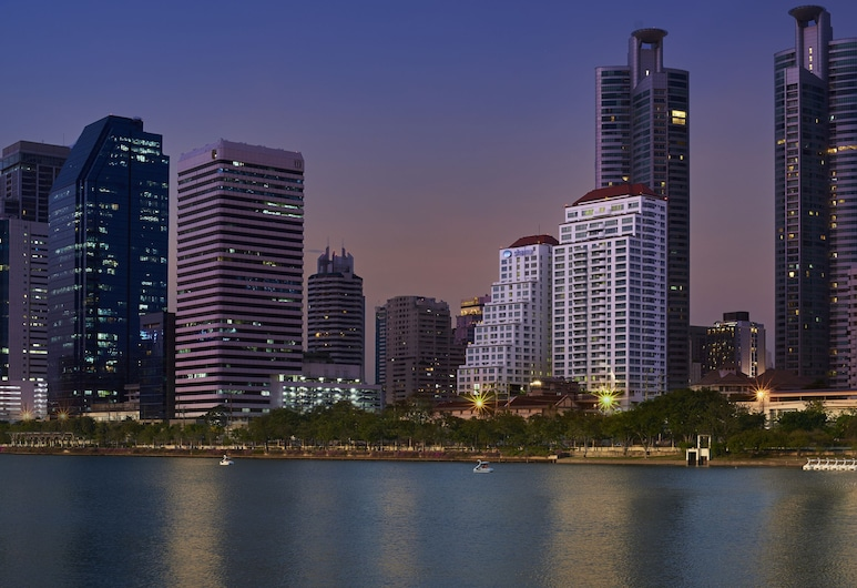 Shama Lakeview Asoke Bangkok, Bangkok, Hotel Front – Evening/Night