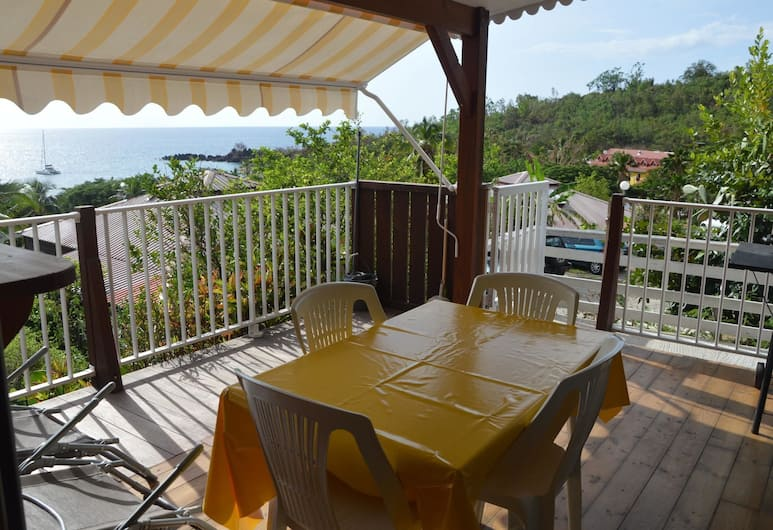 Bungalow With 2 Bedrooms in Bouillante, With Wonderful sea View, Furnished Terrace and Wifi - 100 m From the Beach, Bouillante