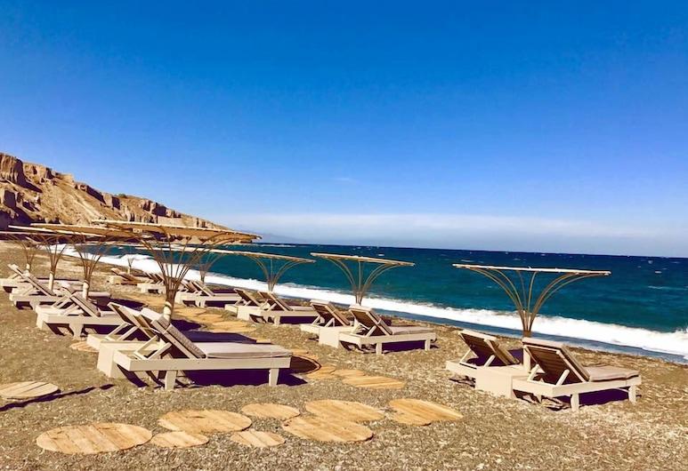 Home of Lilies, Santorini, Beach