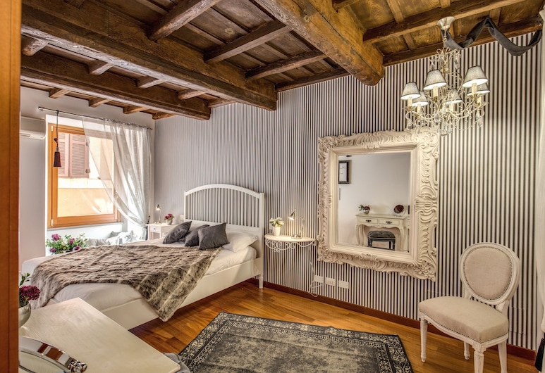 Pantheon Miracle Suite, Rome
