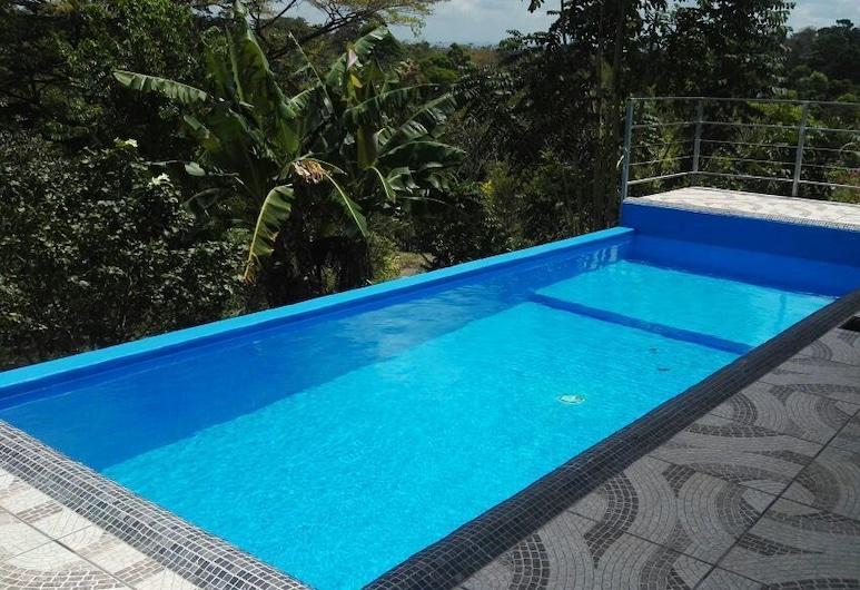 色樂斯特之星芬卡酒店, 卡蒂拉, 無邊際泳池
