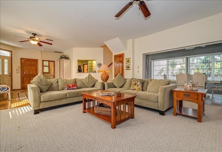 1870 18th Street - 4Br Home, Boca Grande, Living Room