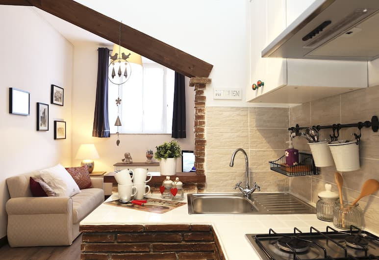 Roma holidays house, Rome, Apartment, 2 Bedrooms (up to 5 people), Private kitchenette