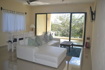 Picture of White Condo in Puerto Aventuras