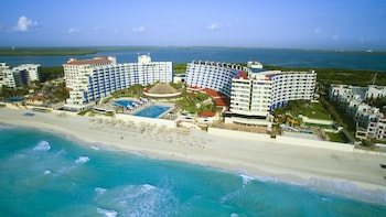Picture of Crown Paradise Club Cancun - Todo Incluido in Cancun