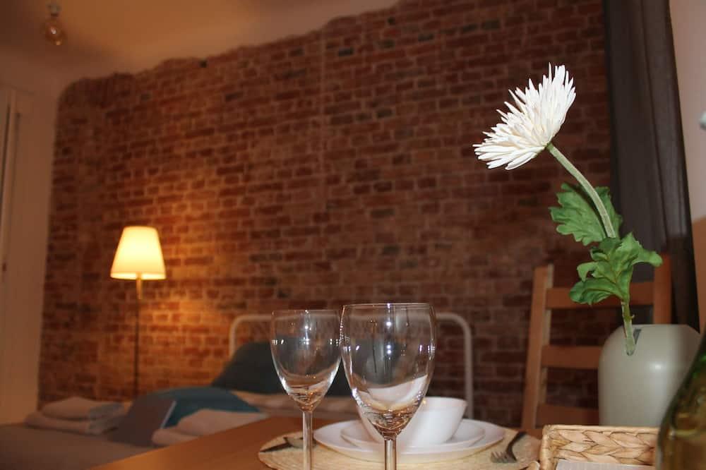 Studio Suite Eksklusif, 1 kamar tidur, non-smoking - Tempat Makan Di Kamar