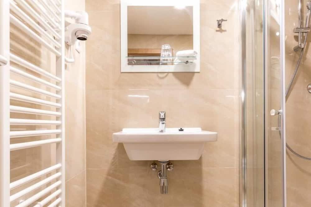 Szoba kétszemélyes ággyal (Terrace) - Fürdőszoba