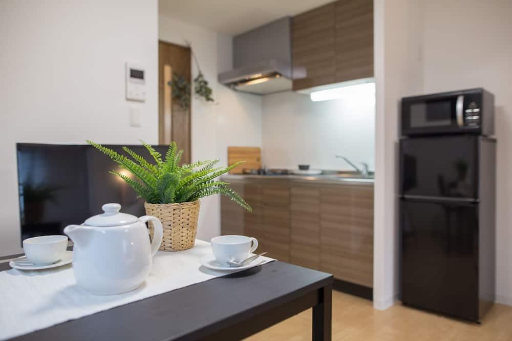 Standard külaliskorter, 1 magamistoaga, köögiga, vaade pargile - Einetamisala toas