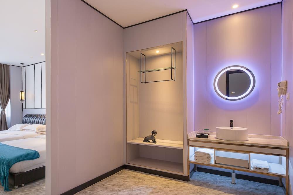 Habitación cuádruple Confort - Baño