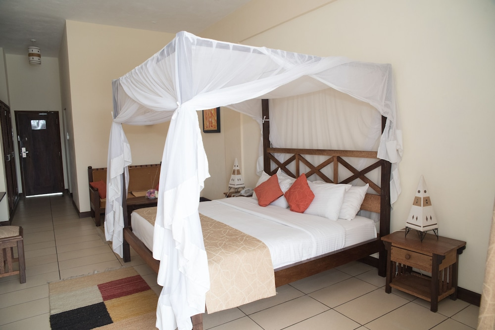 CityBlue Creekside Hotel u0026 Suites. Mombasa & Book CityBlue Creekside Hotel u0026 Suites. in Mombasa | Hotels.com