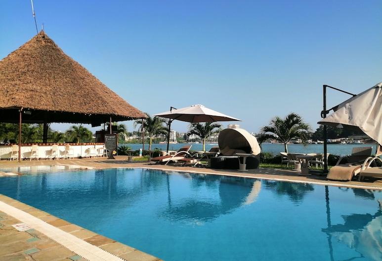 CityBlue Creekside Hotel & Suites., Mombasa, Outdoor Pool