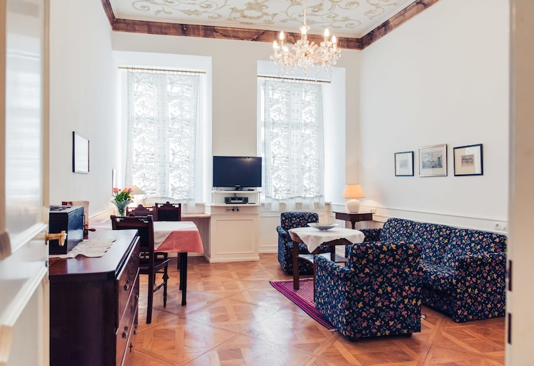 Ofenloch Apartments, Vienna, Apartment 9 Wolfgang A. Mozart, Living Room