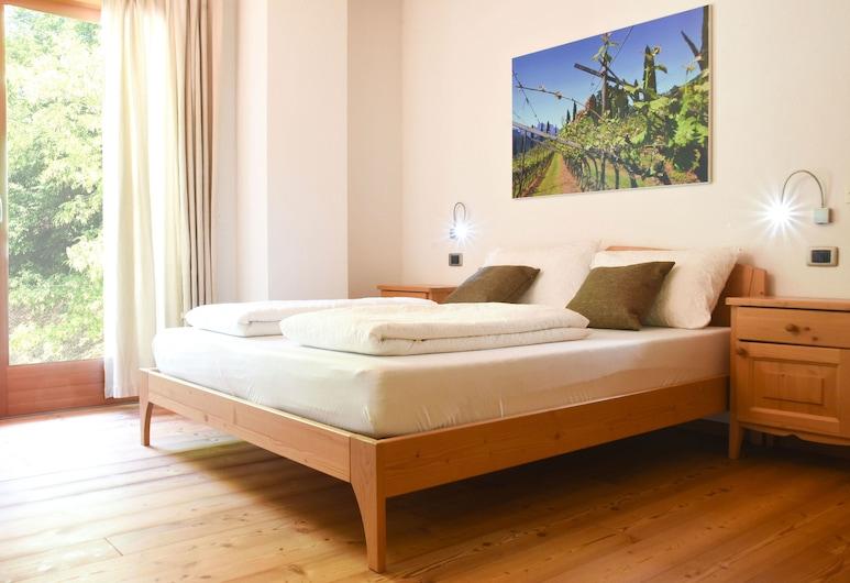 Agritur Casteller, Trento, Double Room, Garden View, Guest Room