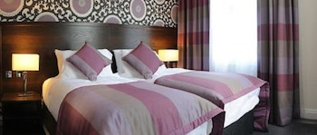 Enter your dates to get the Oxford hotel deal