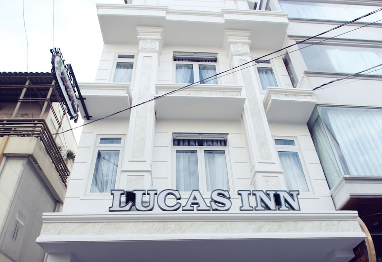 Lucas Inn, Đà Lạt, Lối vào khách sạn