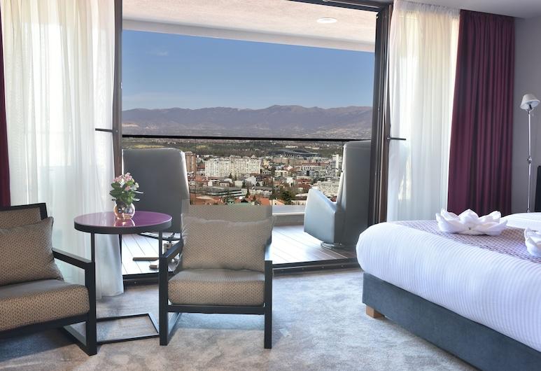 Hotel Panoramika, Skopje, Senior City View with Balcony, Viesu numurs