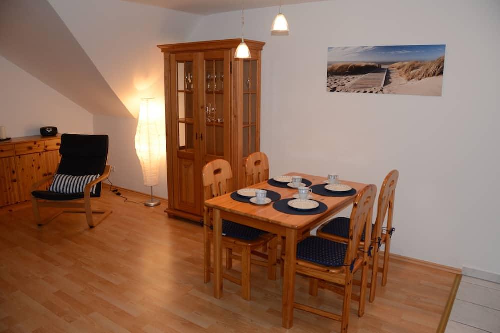 Apartman, 1 spavaća soba, balkon, pogled na jezero - Obroci u sobi