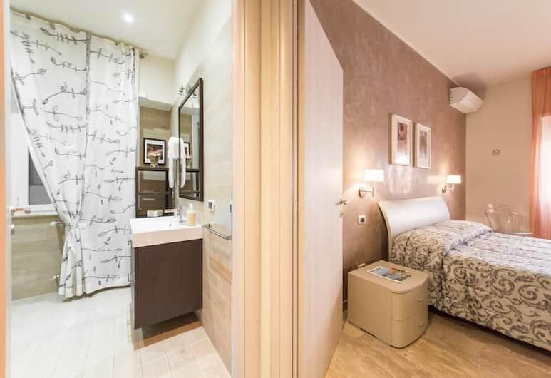 B&B Gemelli Rooms, Rom, Dobbeltværelse - eget badeværelse - udsigt til gårdsplads, Værelse