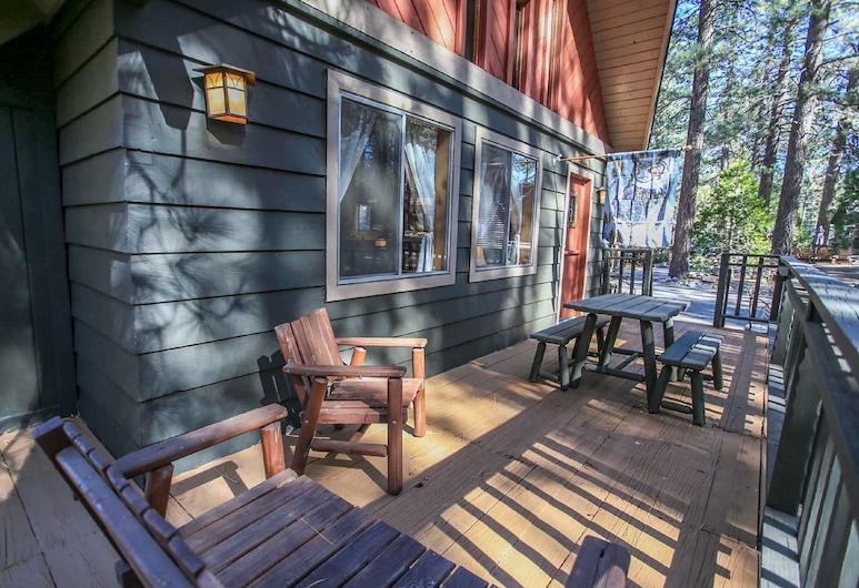 Bravo Big Bear Lodge Three - Free Ski/board Rental! - 2br/1ba//wifi/walk to The Lake, Danau Big Bear , Balkon