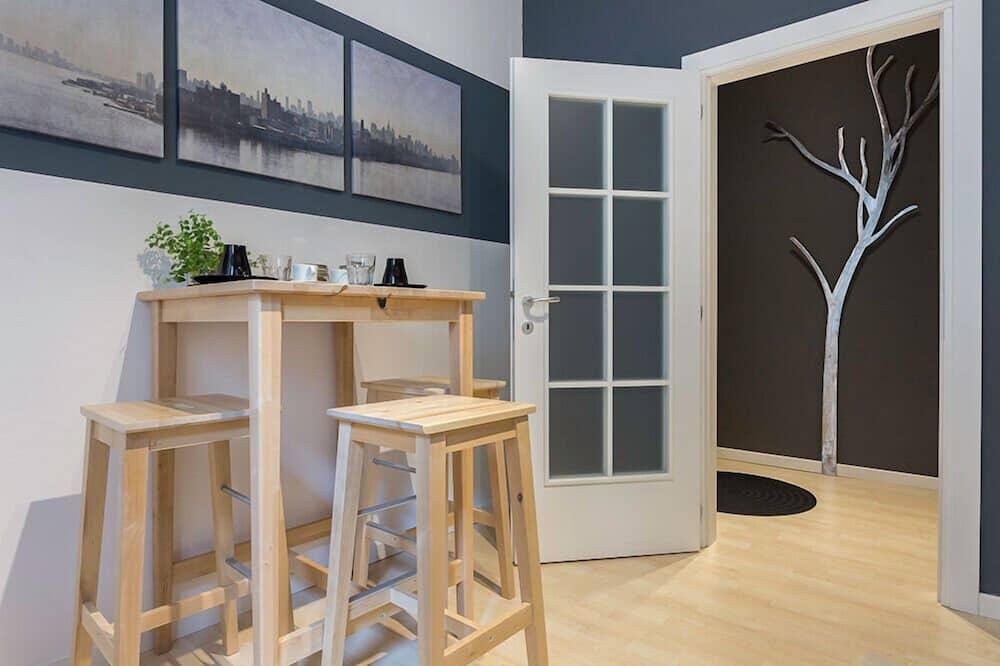 Deluxe Apartment, 1 Bedroom - Tempat Makan dalam Bilik