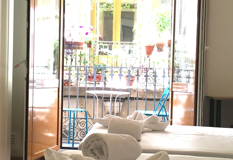 Hostal La Palmera Barcelona, Barcelona, Twin Room, Private Bathroom, Guest Room View