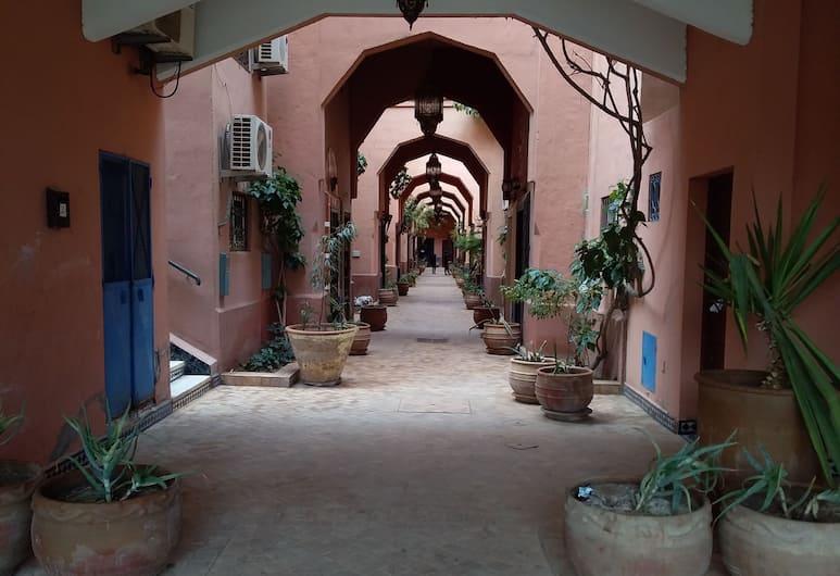 Riad Alkarya, Marrakech, Z zewnątrz