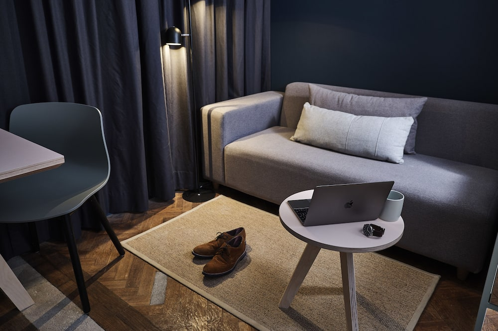 Studio Suite, 1 Bedroom, Kitchenette - Living Area